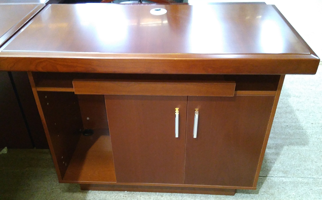 Large Executive Desk Model 67901